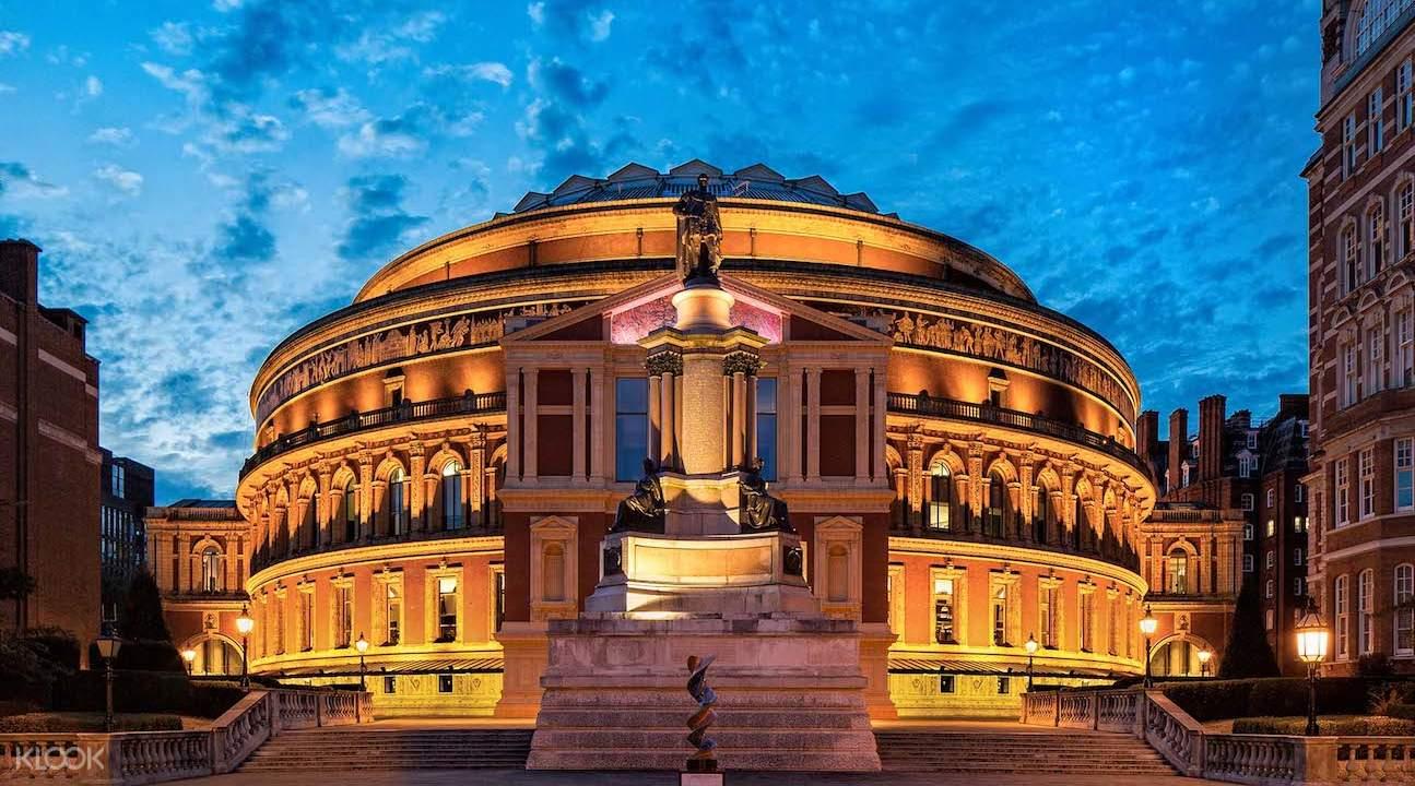 亲临世界著名音乐厅,其建筑外观仿自罗马圆形剧场